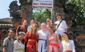 college universitu indonesia