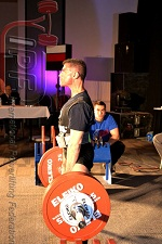 Eric Kupperstein locking out a strong deadlift
