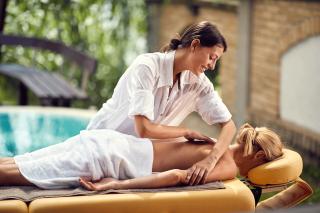 Berufs Masseurin - Massage Fachschule Zürich