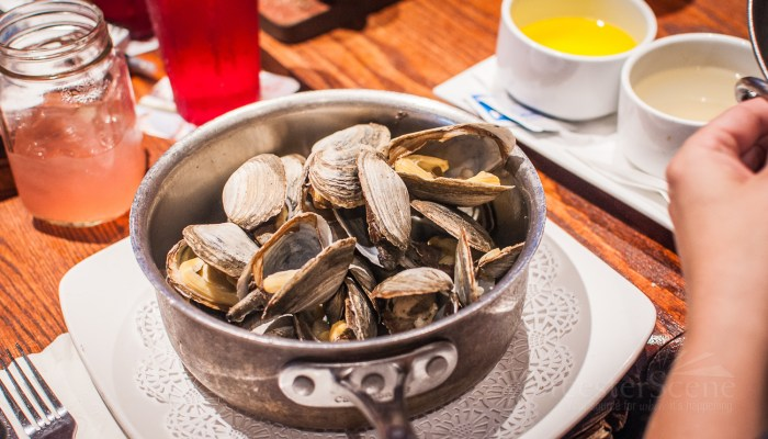 Sweet Steamed Clams at the Boynton on Highland Street in Worcester, MA