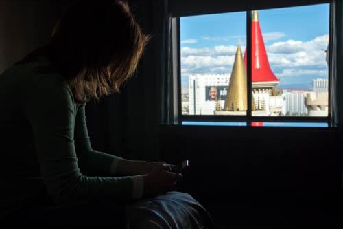 Matrimonio a Las Vegas non sposarsi e' un peccato, donna nella camera