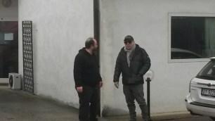 DAVIDE RAGAZZONI è arrivato al BLUE TRAIN e qui lo vediamo che è appena sceso dall'auto ed incontra il tecnico di studio ANTONIO MORGANTI