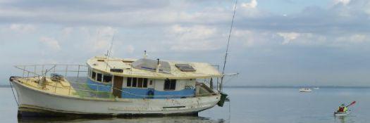 boat-on-beach