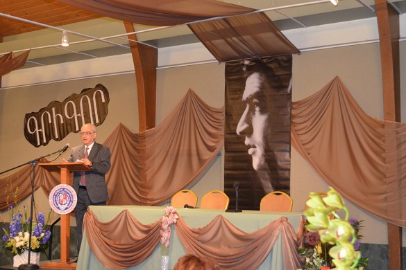 The AGBU Satamian Theater Group Honors Krikor Satamian for 40 Years of Service