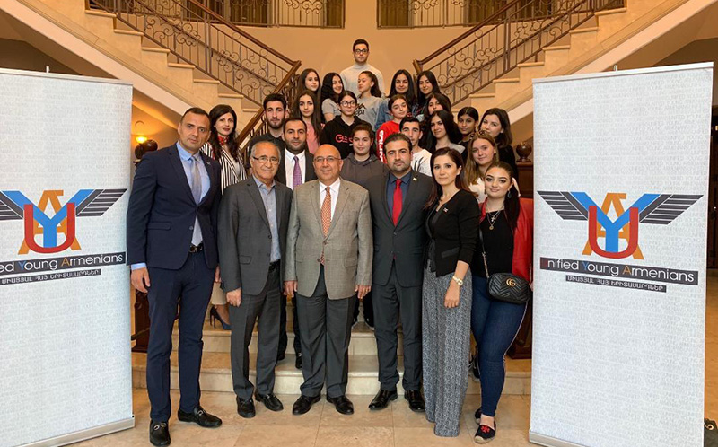 Consul General Armen Baibourtian Meets with United Young Armenian