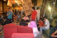 Host dan Komunitas Basa Mami