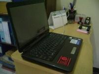 Notebook ASUS K40IN dari samping