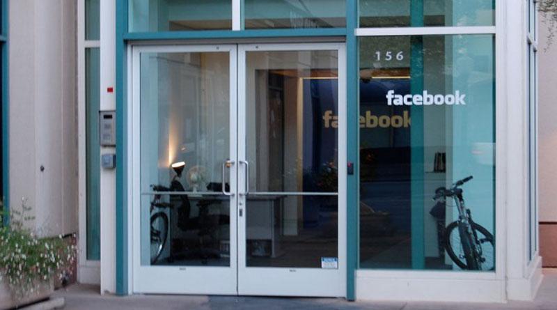 CEO Facebook Akan Datang Bahas Hoax?