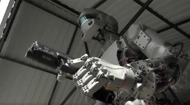 Video Aksi Robocop Buatan Rusia Muncul di Twitter