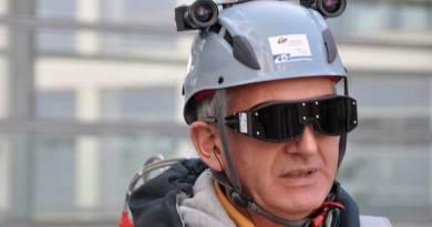 'Mata Bionik' Ini Buat Orang Buta Dapat Melihat Lagi