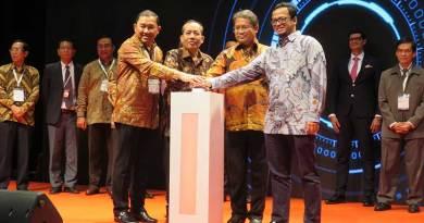 Menkominfo Resmi Buka Acara Indonesia Digital Economy Summit