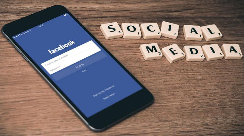 Facebook Hapus Fitur 'Trending' Topik