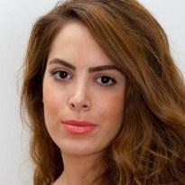 La participante en el Master in Management (MiM) Banafsheh Hosseini se reunió con su compañera de clase Selene Camargo para hacerle una entrevistarla sobre su proyecto final del Master.