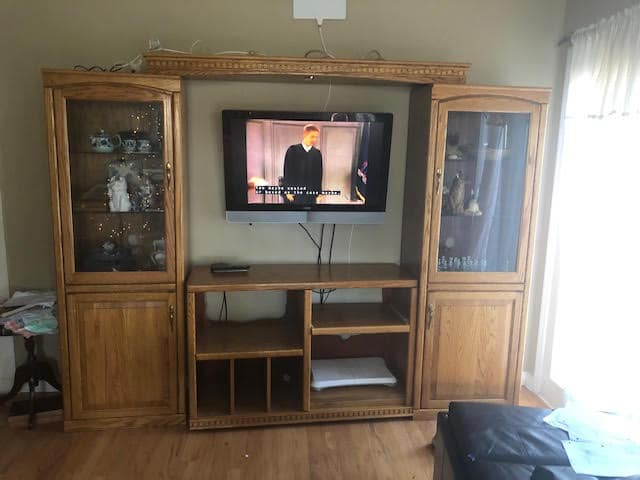 Modular Oak Entertainment