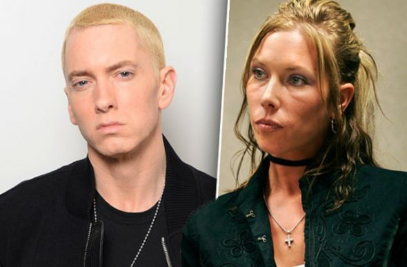 How tall is Eminem's wife