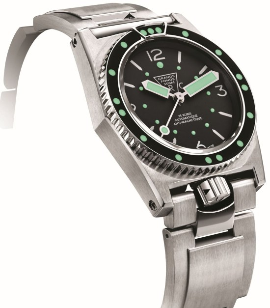 ZRC Grands Fonds 300 diving watch re-edition with stainless steel bracelet