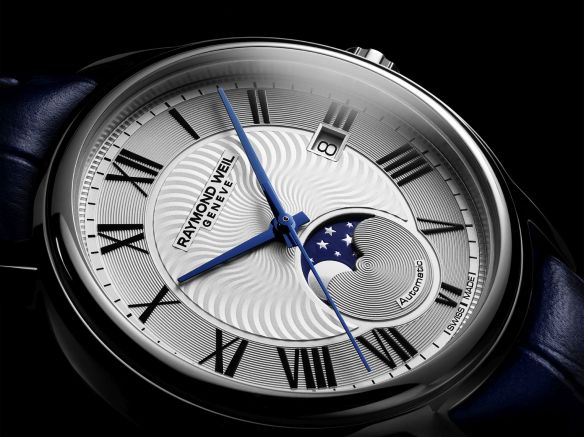 9e407a02f3b The watch presents itself with a delicate wave-like decorated blue