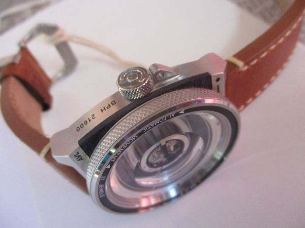 Hands on Review TACS AVL2 Automatic Vintage Lens Watch