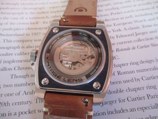 Hands on Review TACS AVL2 (Automatic Vintage Lens 2) Watch view of the automatic movement