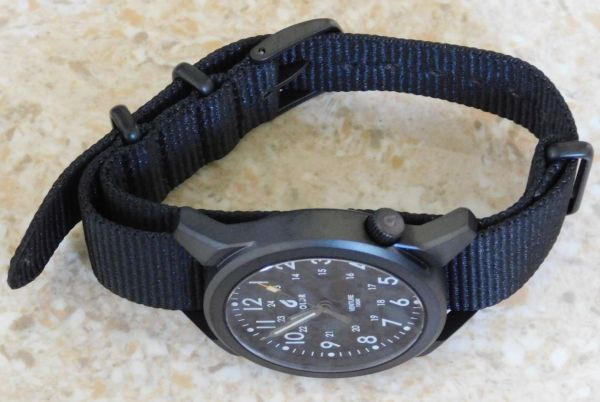 Hands on Review: Boldr Venture watch with nato strap