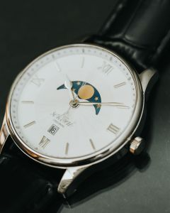 Sekoni Original Tidal Moonphase watch
