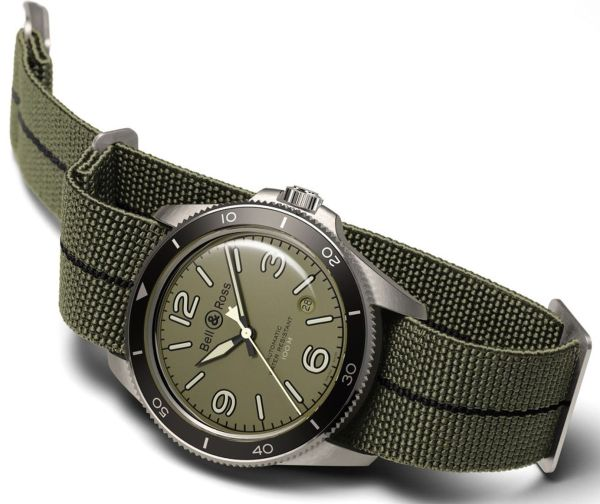Bell & Ross - BR V2-92 Military Green