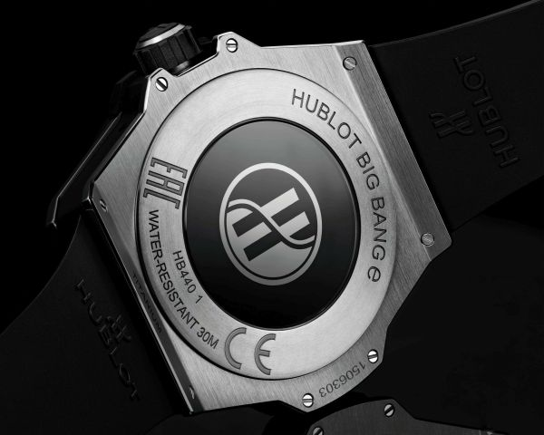 HUBLOT Big Bang ℮ smartwatch caseback view