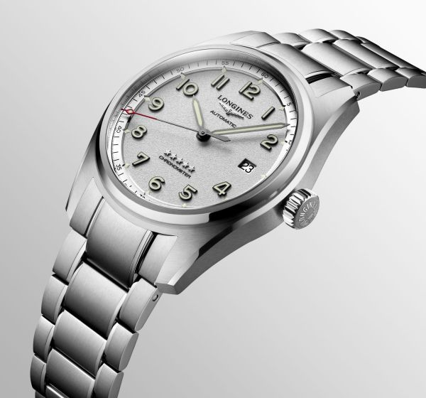 Longines Spirit Collection automatic three hands with date featuring stainless steel bracelet