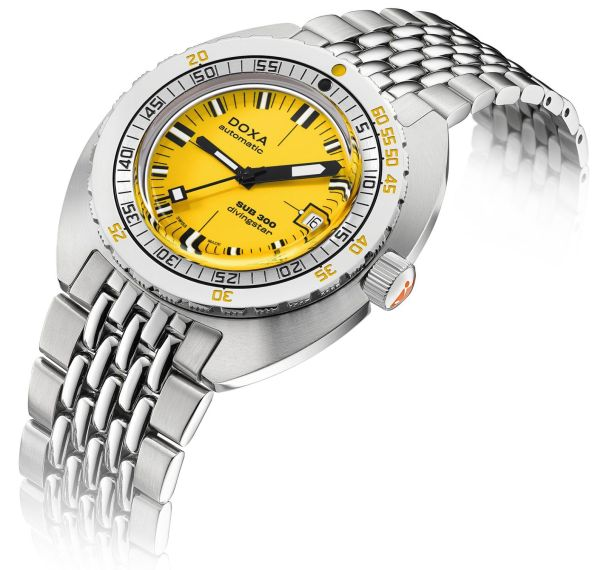 DOXA SUB 300 COSC Yellow Divingstar Ref. 821.10.361.10 (yellow dial, stainless steel bracelet)