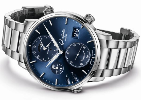 Glashütte Original Senator Cosmopolite in Midnight Blue new model 2020 with galvanic blue dial