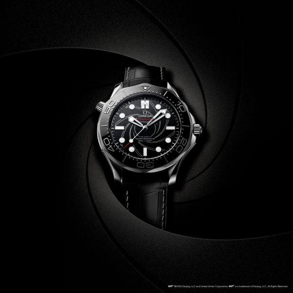 "Omega Co-Axial Master Chronometer 42 mm Seamaster Diver 300M ""James Bond"" Numbered Edition in Platinum"