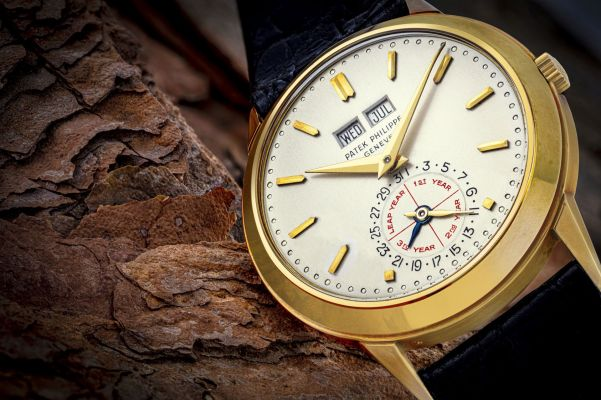 Alan Banbery's yellow gold Patek Philippe ref. 3448J 'Senza Luna' perpetual calendar wristwatch