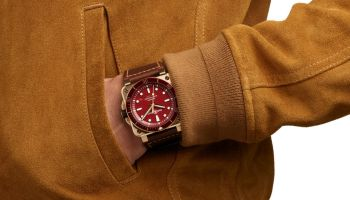 BR 03-92 Diver Red Bronze Limited Edition watch wrists on