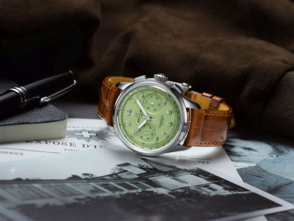 Breitling Premier Heritage Collection - Premier B09 Chronograph 40 with Stainless Steel Case and Pistachio Green Dial (Reference: AB0930D31L1P1)