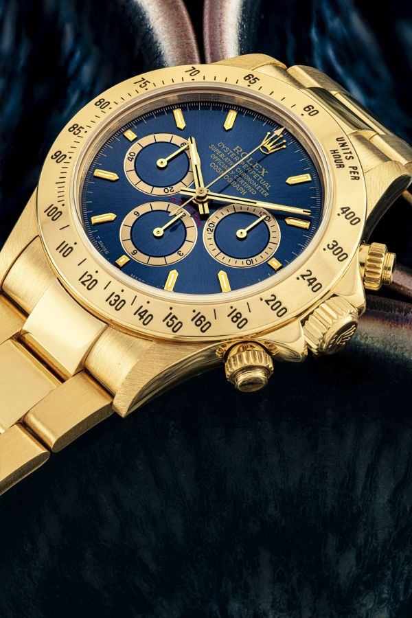 Rolex Daytona ref. 16528 in yellow gold with a blue dial