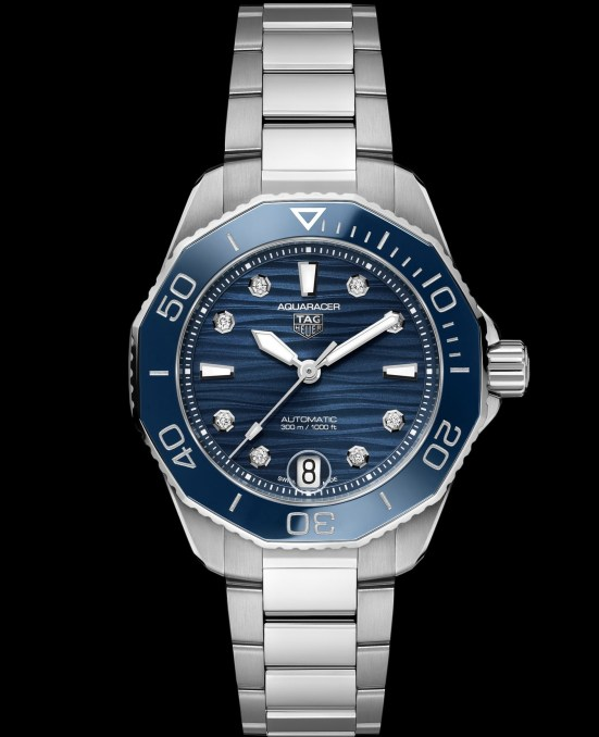 TAG Heuer Aquaracer Professional 300 Calibre 5 Automatic with blue lacquered dial