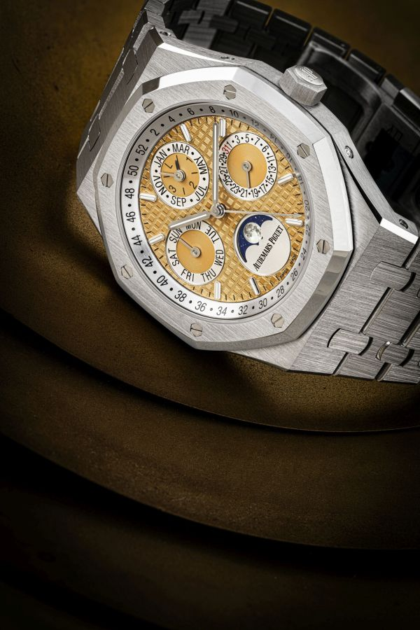 Audemars Piguet platinum limited edition automatic perpetual calendar wristwatch with moon phases, leap year indication and bracelet, quantieme perpetuel model
