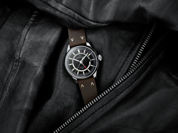 NORQAIN Freedom 60 GMT watch with Black Dial