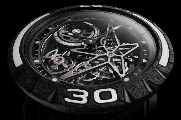 Roger Dubuis New Excalibur Spider Pirelli watch with black DLC titanium case