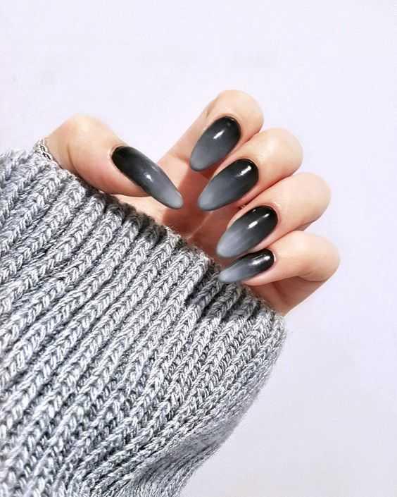 Ногти серые матовые фото – как сделать черный маникюр в ...
