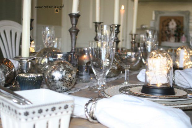 Dazzingly bright new years eve tablescape1