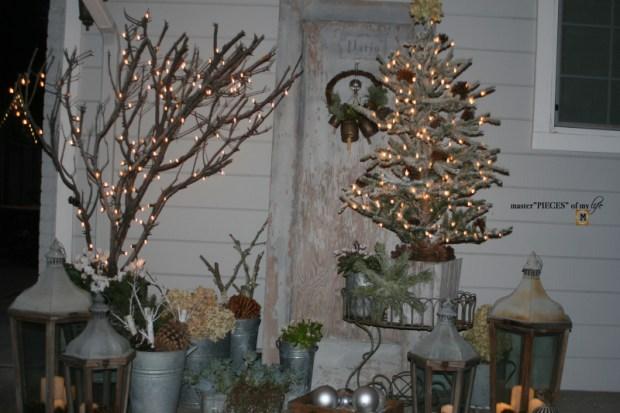 A vintage door & a petite Christmas tree10