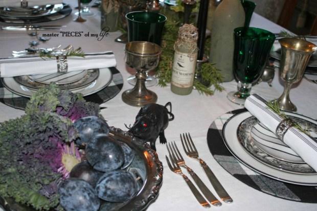 Green & black halloween tablescape5