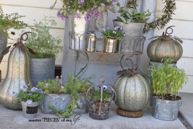 Metal pumkins garden2