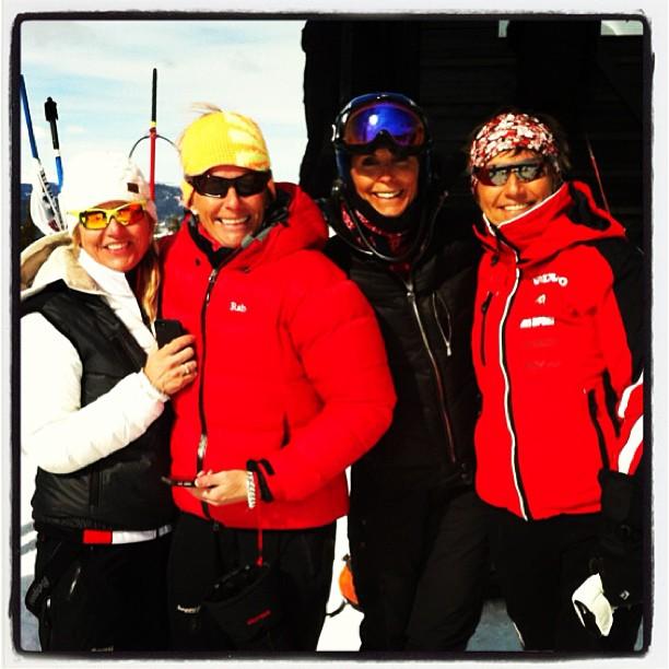Girlsa på start Slalom VeteranNM 2013 - Instagram