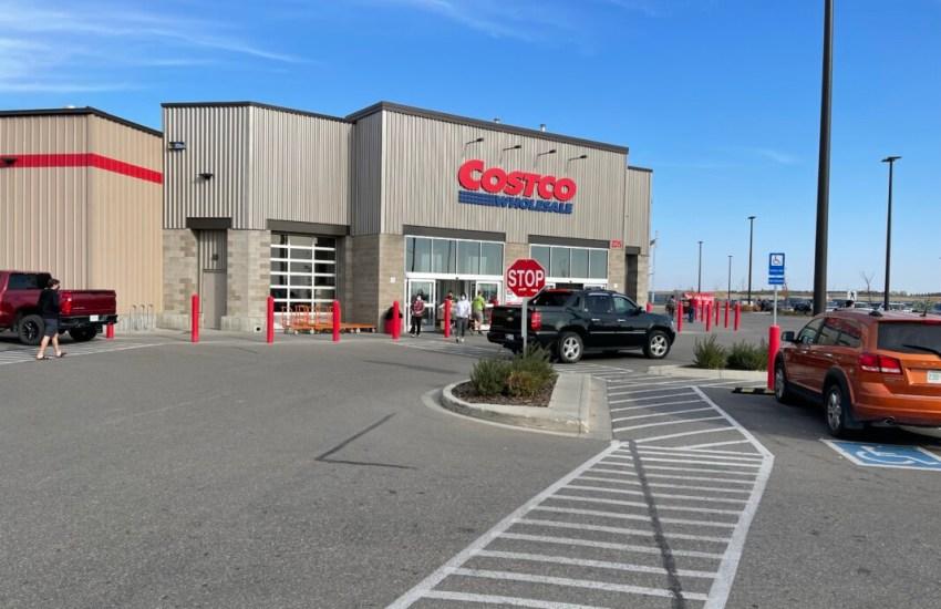 Costco Highway Shopping Benefits