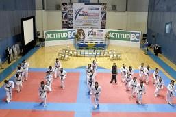 2010-02-23_(b)x_masTaekwondo_Gobernador_visita_a_los_jovenes_mexicanos-03_580