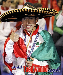 2010-05-11_8003x_Carlos-Navarro-Valdez_Taekwondo-Mexico_250