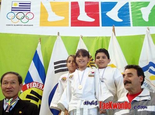 2010-06-11_(8850)x_Copa-Maestro-Lee_Taekwondo-Uruguay_600_03