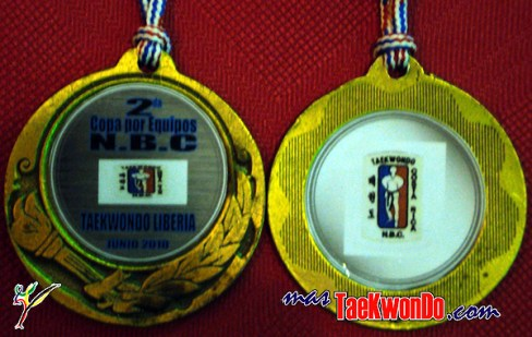 2010-06-27_(9084)x_masTaekwondo_Costa-Rica_Medallas_Taekwondo_600